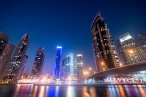 dubai real estate business bay at night