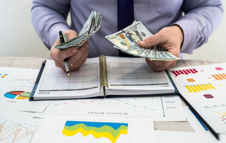 4 ways to make a monthly income from investing in uae